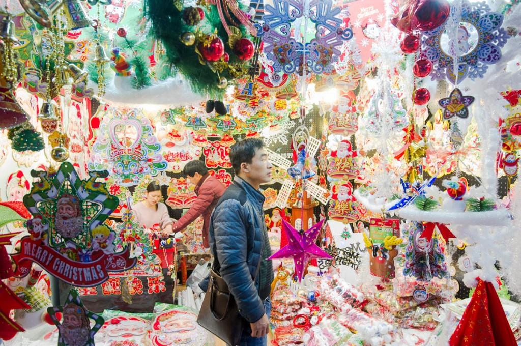 Yiwu, China: Christmas 364 days a year
